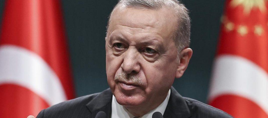 Turquie : Erdogan victime d'« un coup d'État politique »